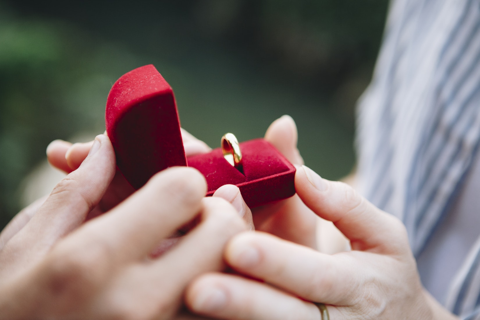 Communicating Your Love Made Easy With Perfect Engagement Rings